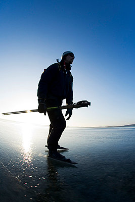 Long-distance skater Sweden - p5750128f by Hans Berggren