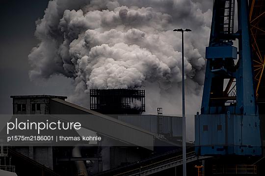 Stahlwerk - p1575m2186001 von thomas kohnle