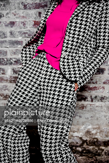 Suit, Shepherd's check pattern - p1621m2228886 by Anke Doerschlen