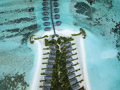 Maldives, Aerial view of water bungalows - p300m2023826 by Konstantin Trubavin