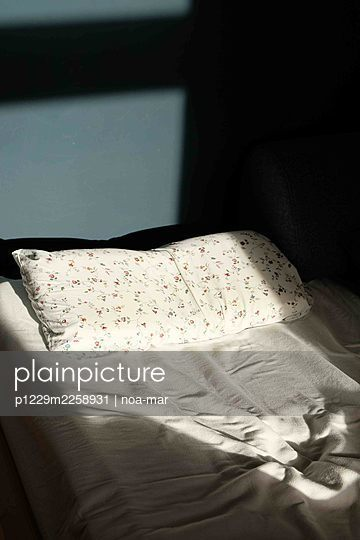 Unmade bed - p1229m2258931 by noa-mar