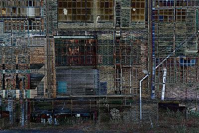 Backyard - p587m1466553 von Spitta + Hellwig
