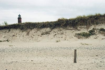 Leuchtturm am Deich - p0890026 von Gerd Olma