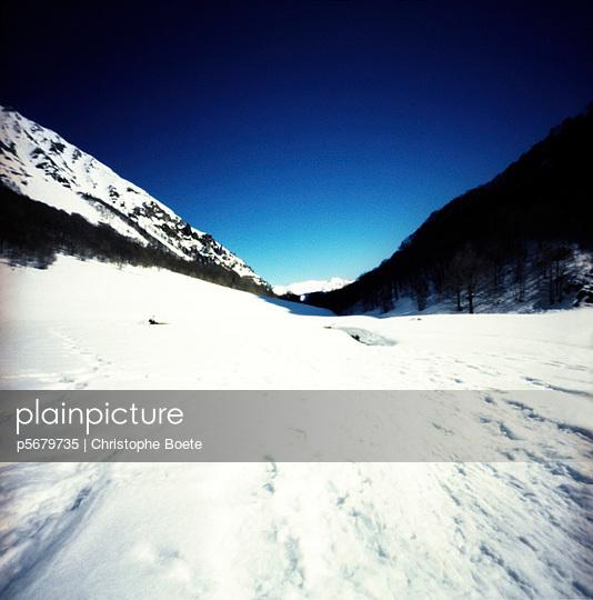 Pinhole camera - p5679735 by Christophe Boete