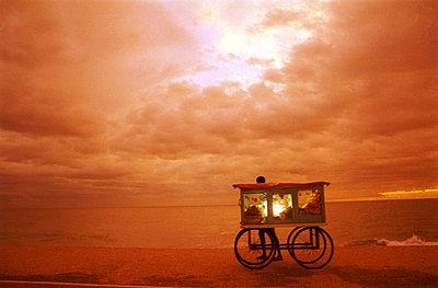 Snack Vendor at Beach - Sunset - Colombo - Sri Lanka  - p4900520 by Jan Mammey