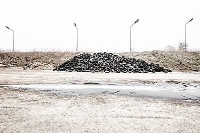 Heap of car tires - p710m1475381 by JH