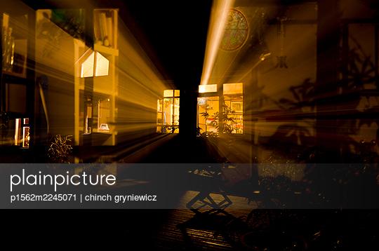 Licht in der Nacht - p1562m2245071 von chinch gryniewicz