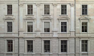 Fassade - p9220032 von Juliette Chretien