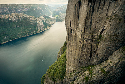 Rock ledge - p1200m1069675 by Carsten Görling