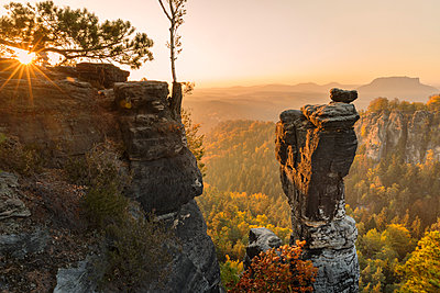 Wehlnadel rocks at sunset in Elbe Sandstone Mountains, Germany - p871m2077674 by Markus Lange