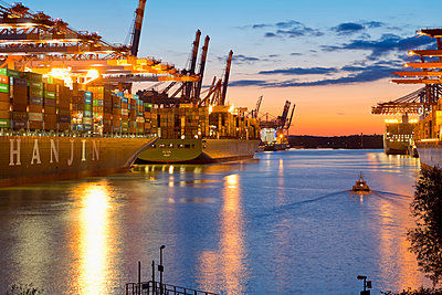Cargo ships in the Port of Hamburg - p300m961852 by Mel Stuart