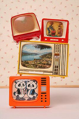 Miniature tv - p1650875 by Andrea Schoenrock