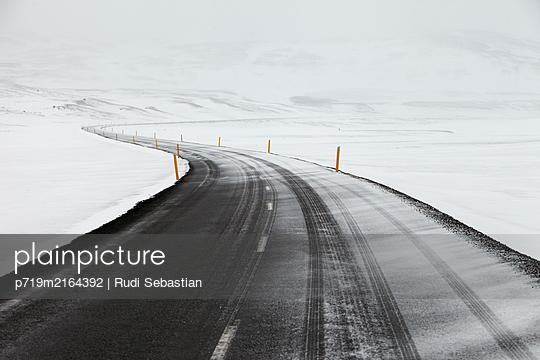 p719m2164392 by Rudi Sebastian