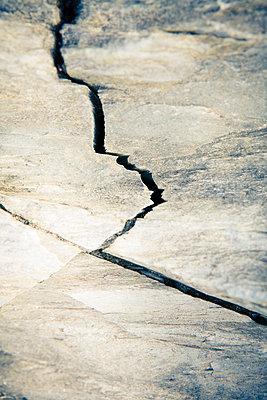 A crack in a rock - p1057m2008582 by Stephen Shepherd