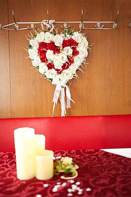 Dekoration zur Hochzeit - p299m1092583 von Silke Heyer