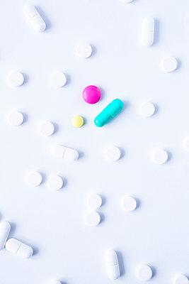 Pills - p1149m2141750 by Yvonne Röder