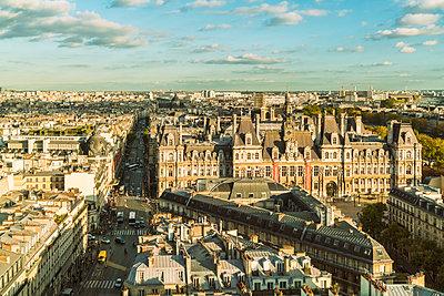France, Paris, view to Square de la Tour Saint-Jacques from above - p300m1580992 by A. Tamboly