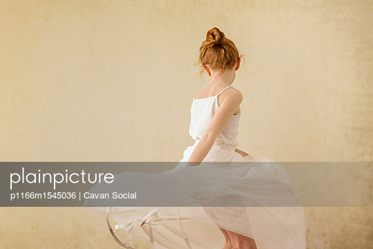 p1166m1545036 von Cavan Social