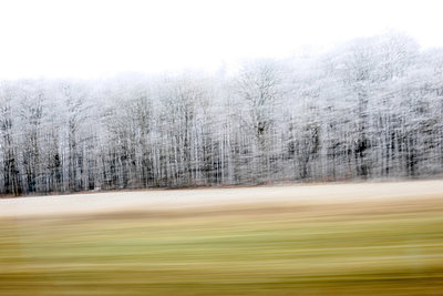 Blick aus dem Autofenster - p1258m1538714 von Peter Hamel