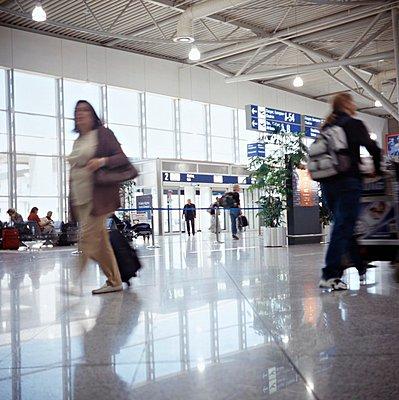 Airport of Athens - p3223065 by Sari Poijärvi