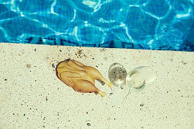 Beckenrand - p904m1045005 von Stefanie Päffgen