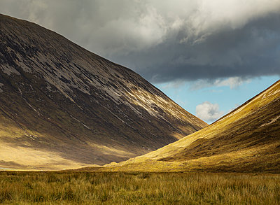 Highlands - p910m2210169 by Philippe Lesprit