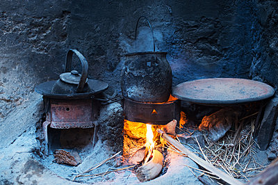 Morocco, Traditional cooking - p1167m2269932 by Maria Schiffer