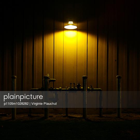 night - p1105m1028282 by Virginie Plauchut