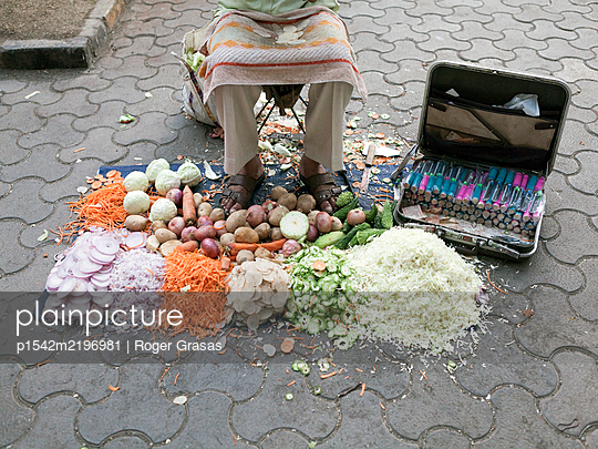 Vegetables in street market - p1542m2196981 by Roger Grasas