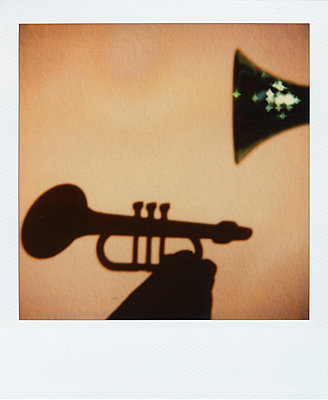 Trumpet, silhouette - p2680844 by Oliver Rüther