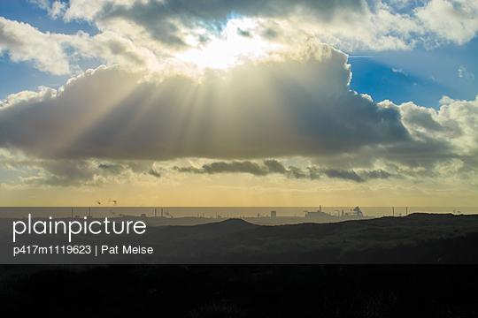 Industriegebiet - p417m1119623 von Pat Meise