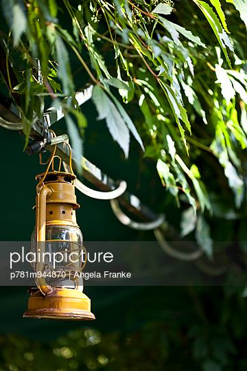 Lampe - p781m944870 von Angela Franke