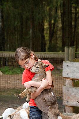 Animal-loving - p249m852193 by Ute Mans