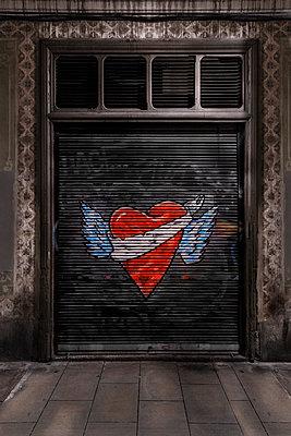 Herz mit Flügel - p1280m1091587 von Dave Wall