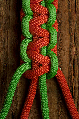 Knotted Paracord climbing ropes - p1028m1031066 by Jean Marmeisse