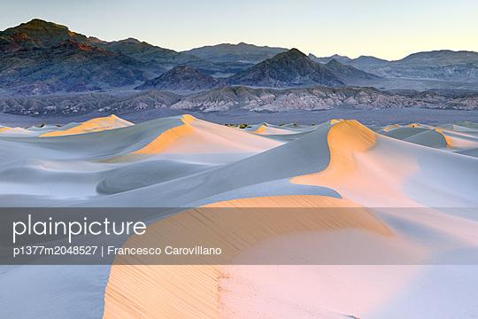 p1377m2048527 von Francesco Carovillano