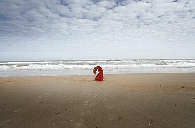 Drama am Strand - p1694m2291687 von Oksana Wagner