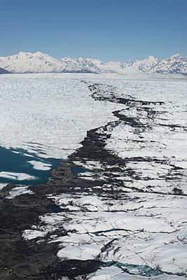 Colony Glacier - p356m814566 by Stephan Zirwes
