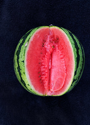 Sliced melon - p1229m2100190 by noa-mar