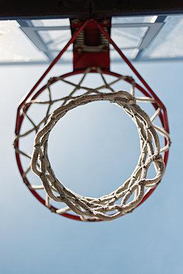 Hoops - p1335m1172314 by Daniel Cullen