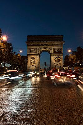 France, Paris, Arc de Triomphe de l?Etoile - p300m1536037 by Christophe Papke