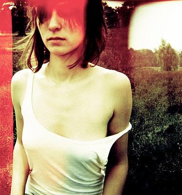 Young woman - p1114m1011398 by Carina Wendland