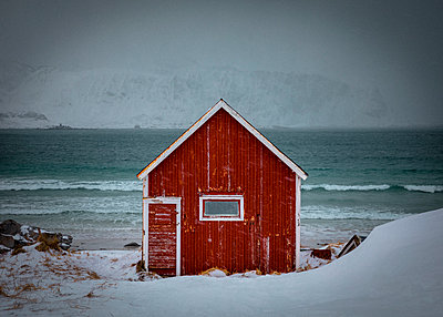 Red House in Stunning Norway - p1166m2130393 by Cavan Images