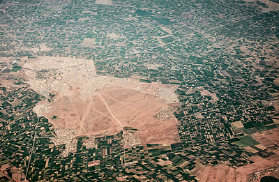 Aerial view, Morocco - p913m2125509 by LPF