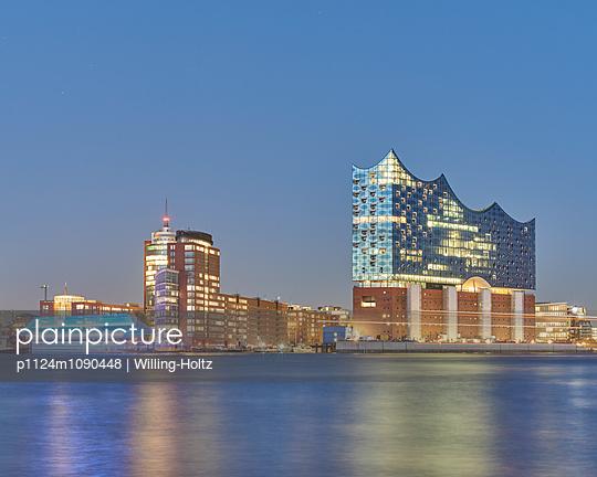 Elbphilharmonie in Hamburg - p1124m1090448 von Willing-Holtz