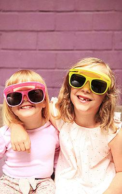 Supercoole girls - p045m1181844 von Jasmin Sander