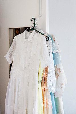 Romantic dresses - p956m658620 by Anna Quinn