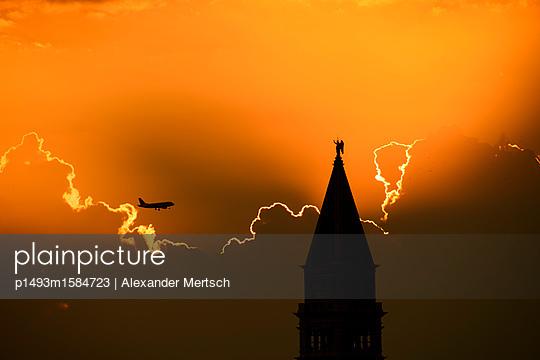 p1493m1584723 by Alexander Mertsch