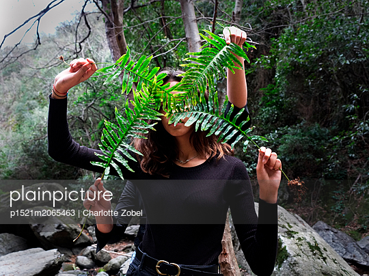 Girls in forest  - p1521m2065463 by Charlotte Zobel