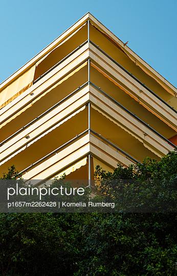 Corner of a house - p1657m2262428 by Kornelia Rumberg